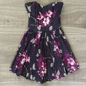 Urban Outfitters floral dress XS